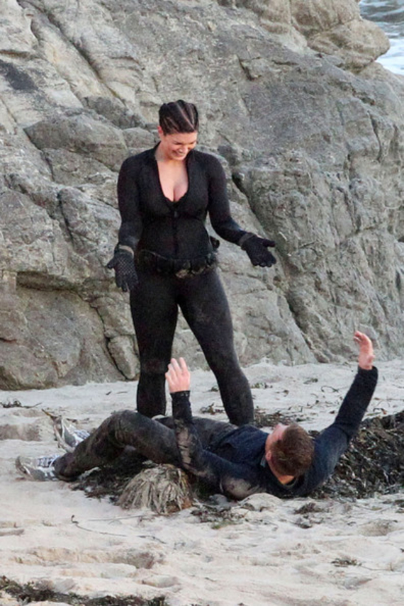 American Girl Wallpaper Com Gina Carano In Wetsuit On Haywire 17 Gotceleb
