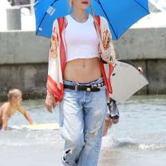 Kitchen Pants Tall Cabinets Gwen Stefani - At The Beach In Long -10 Gotceleb