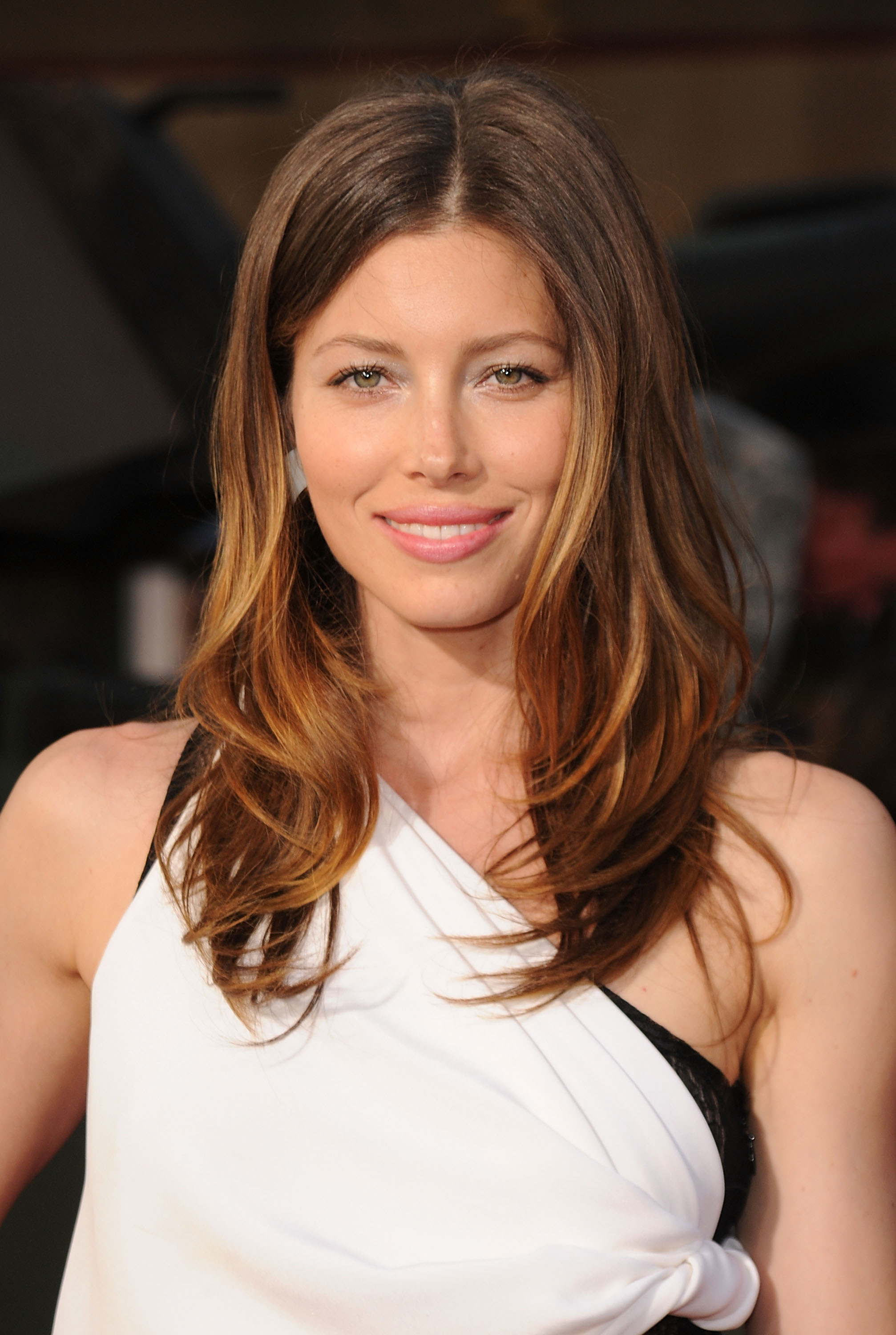 Jessica Biel In A White Dress At The A Team Premiere In La