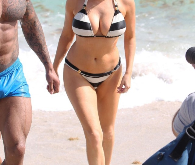 Kelly Brook Hot Bikini Photos 2014 In Miami 09