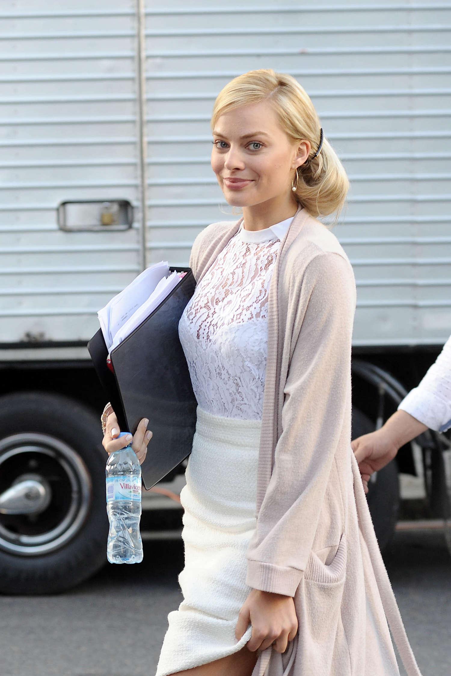 Margot Robbie Filming Focus In Argentina GotCeleb