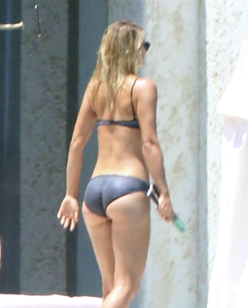 Maria Sharapova bikini 2014  GotCeleb