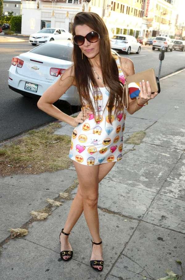 Alicia Arden In Shorts Dress -12 Gotceleb