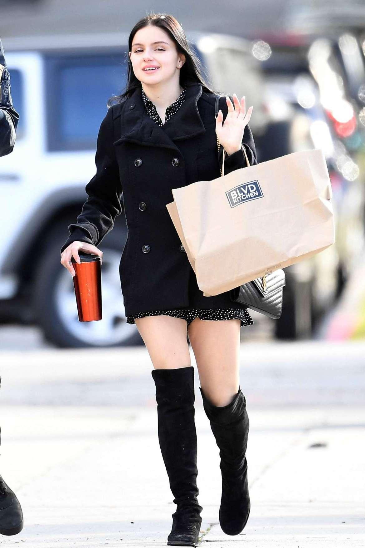 Ariel Winter – Shopping in Sherman Oaks