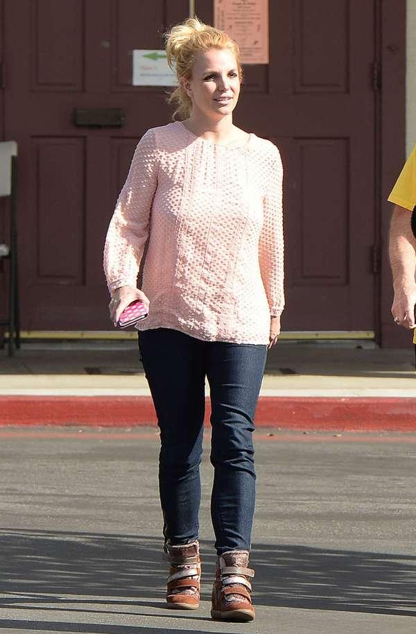 Britney Spears In Jeans -26 Gotceleb