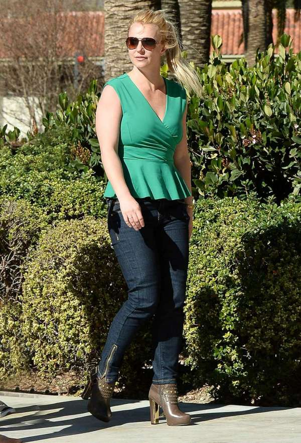 Britney Spears In Tight Jeans -20 - Gotceleb