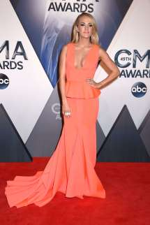 CMA Awards Carrie Underwood 2015
