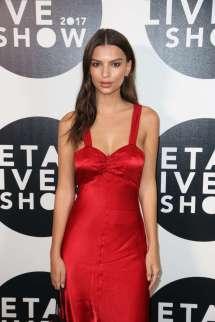 Emily Ratajkowski In Red Dress Etam Live Fashion Show