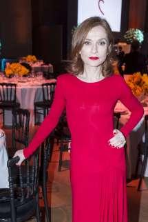 Isabelle Huppert - Sidaction Gala Dinner Ss 2017 In Paris