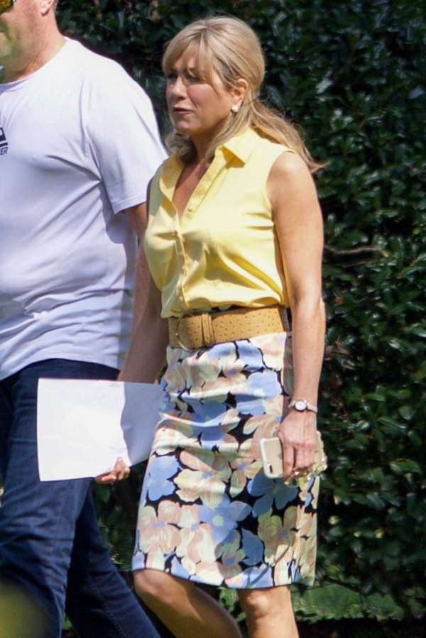 Jennifer Aniston Filming Dumplin In Jonesboro Gotceleb
