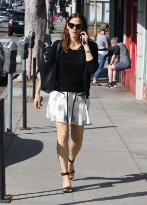 Jennifer Garner In Mini Skirt Out And About In Brentwood