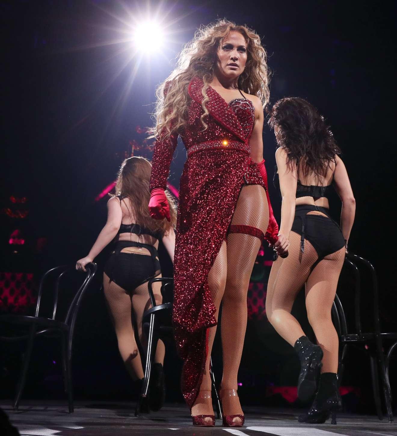 Jennifer Lopez – 2018 DIRECTV NOW Super Saturday Night Concert in Minneapolis   GotCeleb