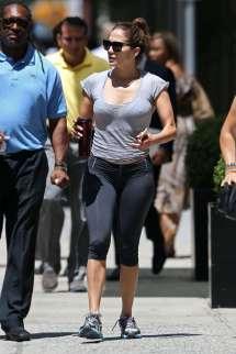 Jennifer Lopez In Leggings -09 - Gotceleb