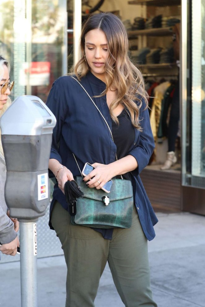 Jessica Alba: Leaving a business lunch -16