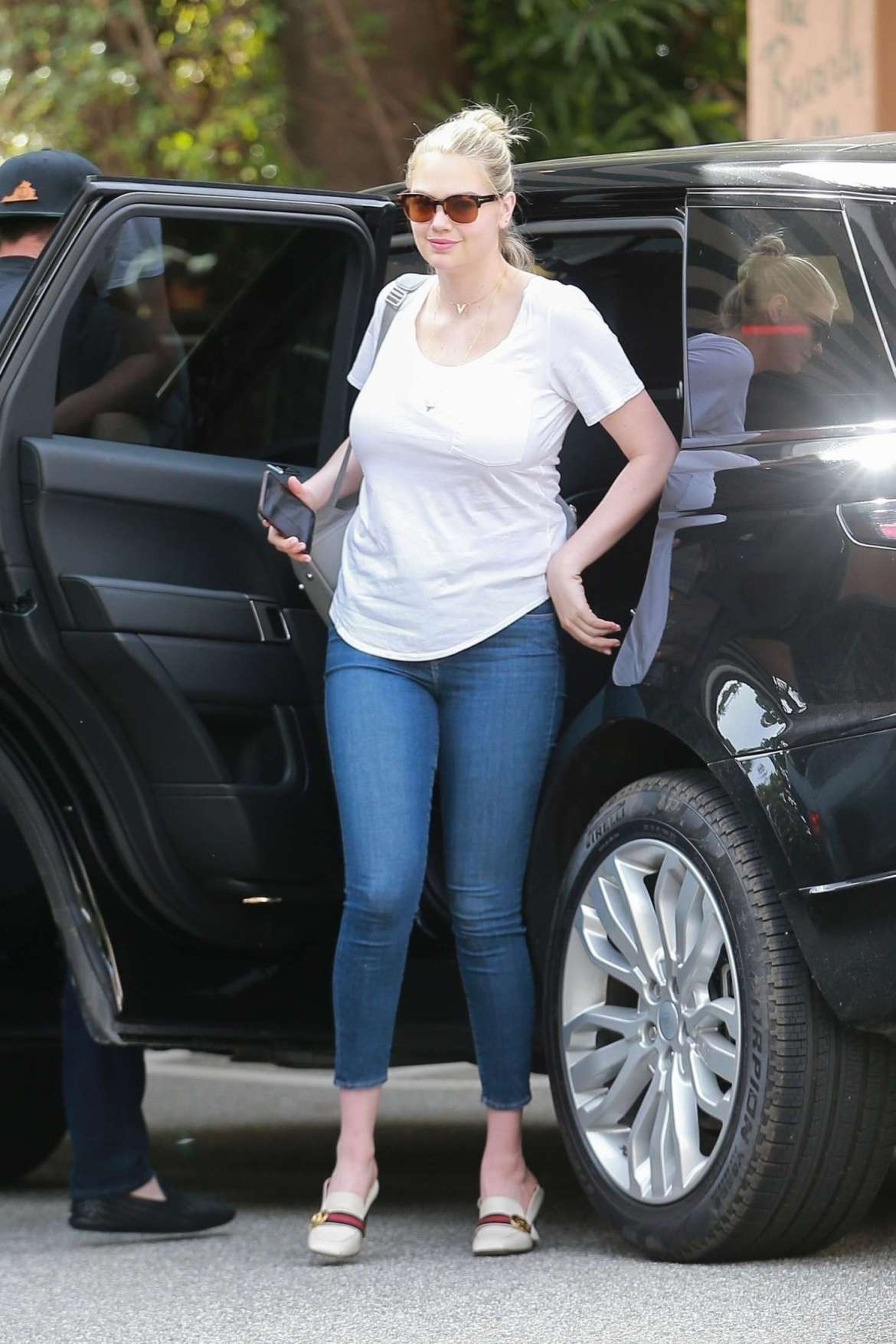 Kate Upton – Out for lunch in Beverly Hills