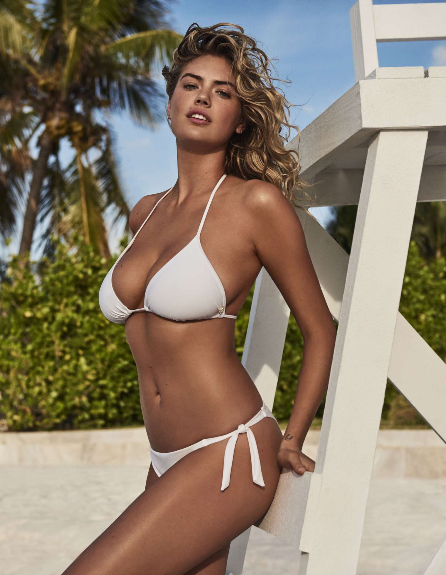 Kate Upton  Yamamay Sculpt Collection Summer 2018