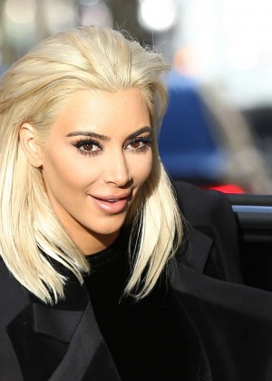 kim kardashian debuts blonde hair out in paris