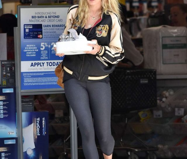 Kimberly Stewart Shopping At Bed Bath And Beyond In La