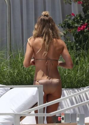 LeAnn Rimes in Bikini 34  GotCeleb