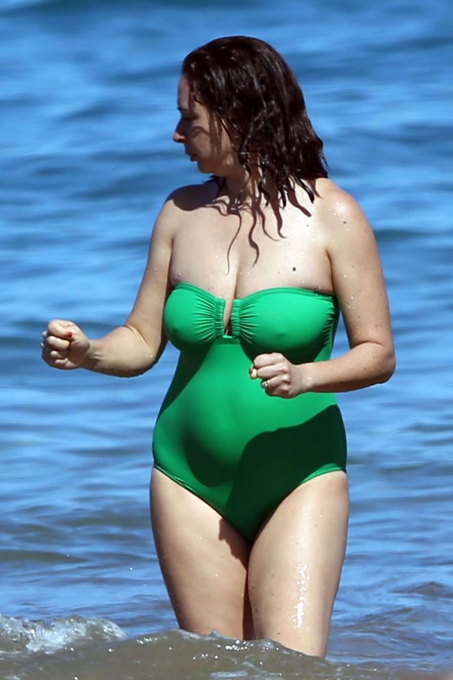Maya Rudolph In Green Swimsuit 2016 09 GotCeleb