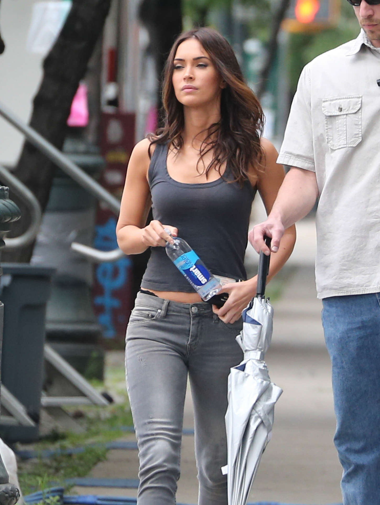 Megan Fox Booty in Jeans on Teenage Mutant Ninja Turtles 2