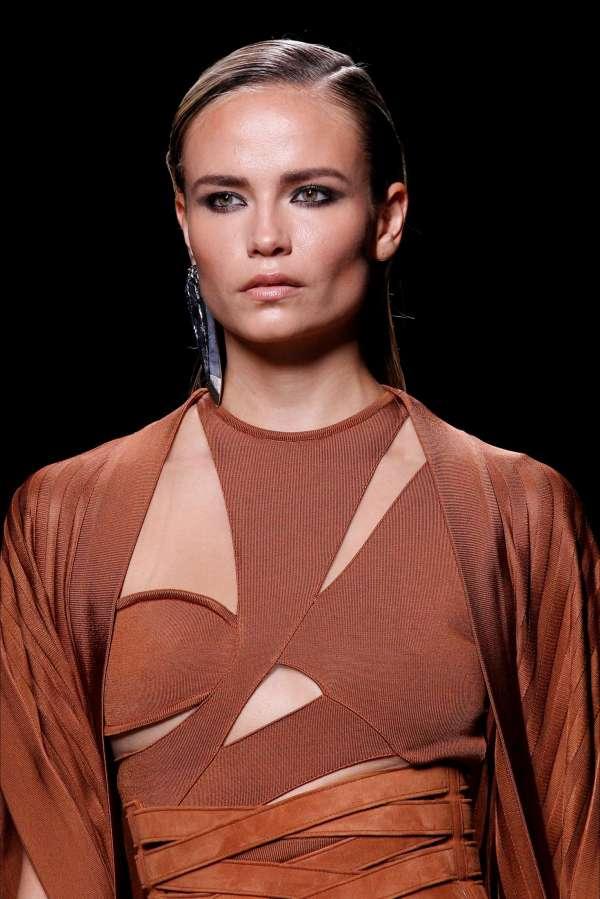 Natasha Poly Balmain Fashion Show Ss17 In Paris Gotceleb