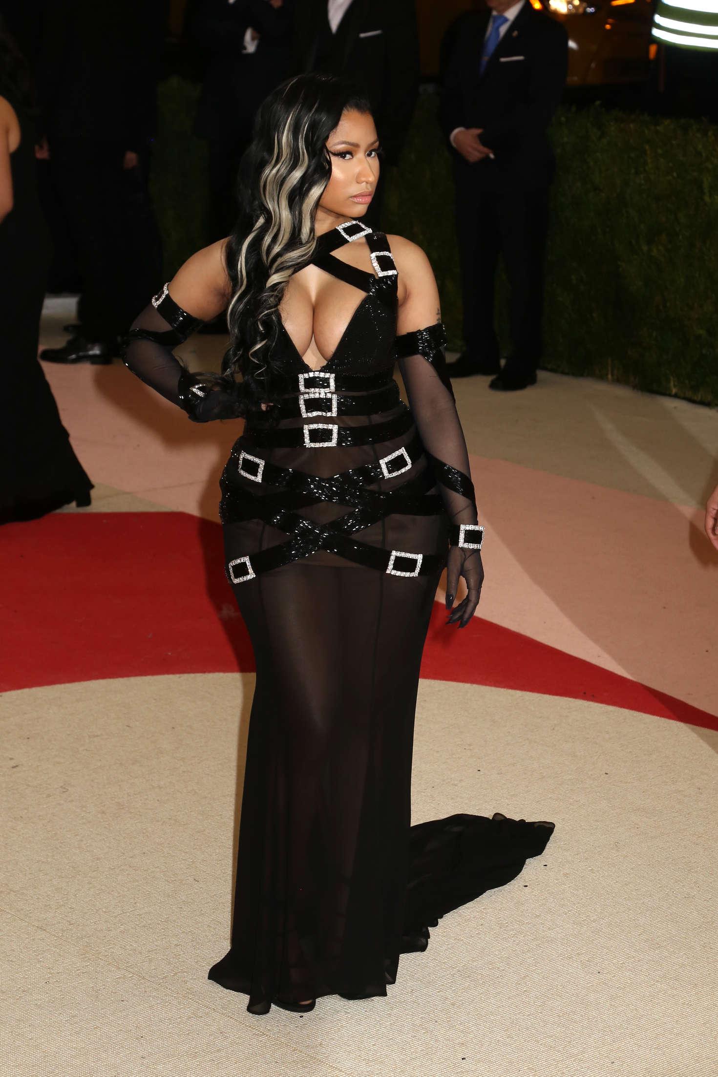 Nicki Minaj 2016 Met Gala In NYC 01 GotCeleb