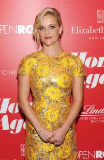Reese Witherspoon Red Carpet Home Again