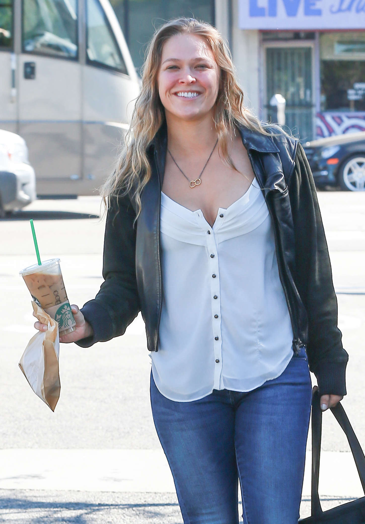Wallpaper Paris Pink Cute Ronda Rousey In Jeans Out In Los Angeles Gotceleb