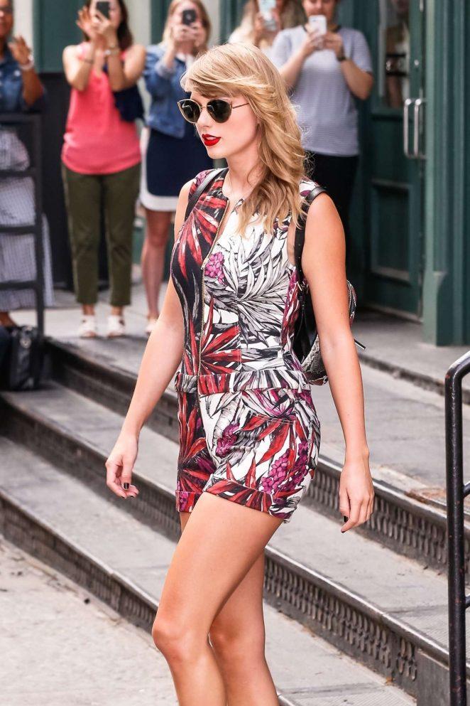 Taylor Swift Leaving Her New York City Apartment Gotceleb
