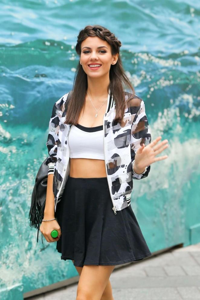 Victoria Justice in Mini Skirt 10  GotCeleb