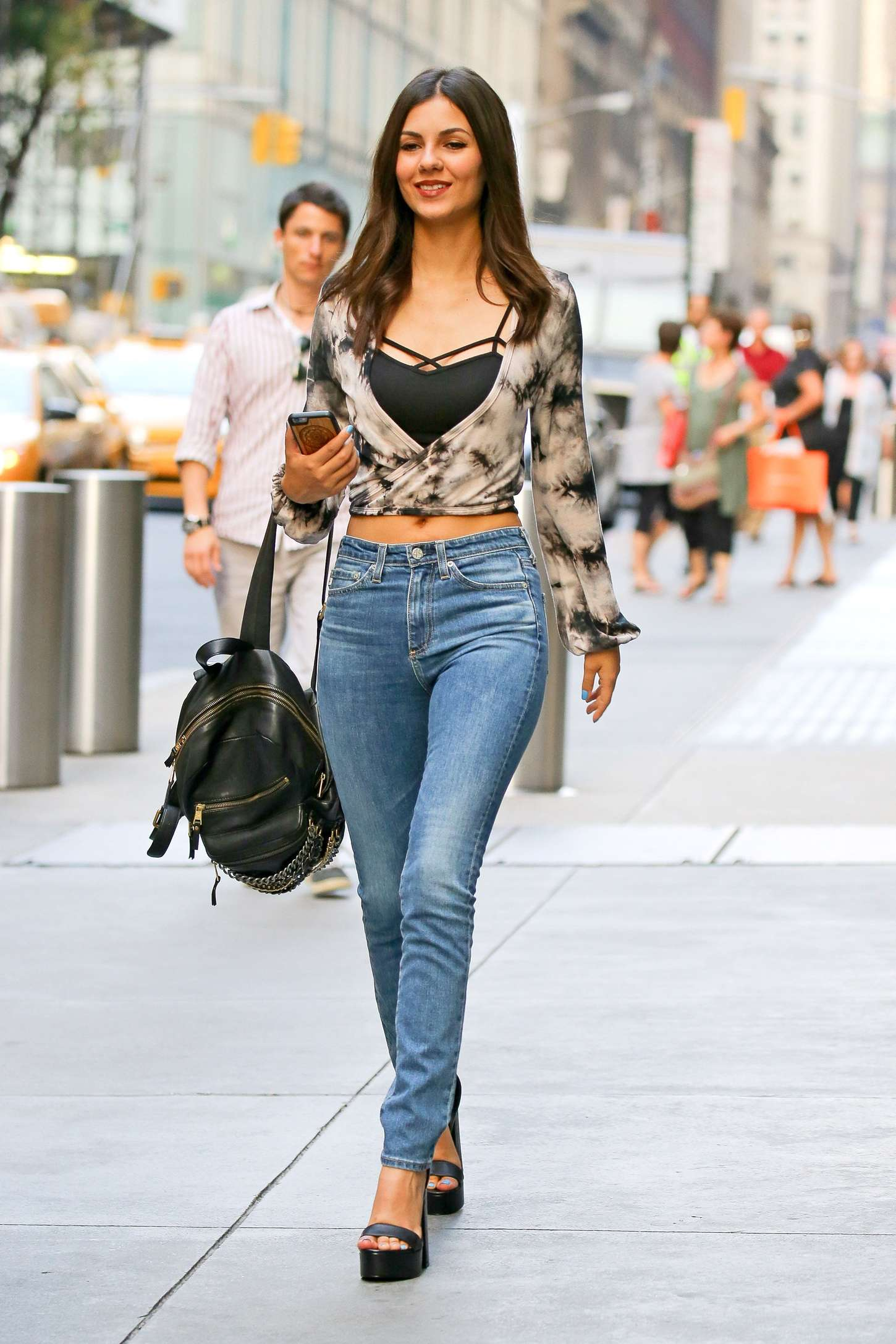 Victoria Justice In Tight Jeans 19 Gotceleb