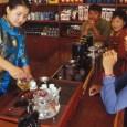 לעצור להפסקת תה, במלון האוריאנטל Oriental Mandarin Hotel בין וותיקי המלונות בעיר, וגם בין המפוארים ביותר – אם לא המפואר ביותר – תלוי בטעם של כל אחד. המלון מלין מלכים […]