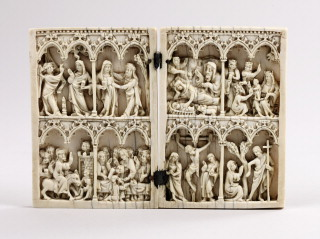 Diptych, 2 registers, 4 arches across (frise d'arcatures; colonnettes)  (Front)