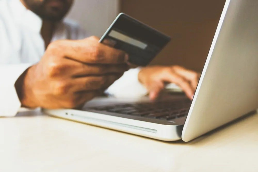 customer invoices for payments can be grouped together