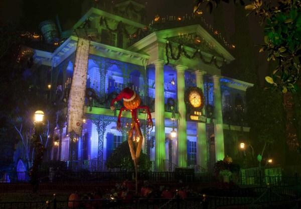 Haunted Mansion Halloween Disneyland