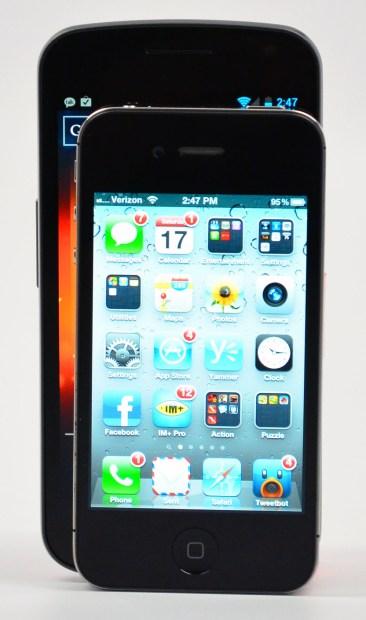 Galaxy Nexus vs. iPhone 4S Size