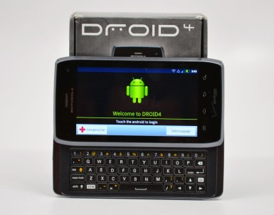 Droid 4 Review - Keyboard and Box