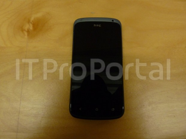HTC Edge and HTC Ville Appear in New Photos