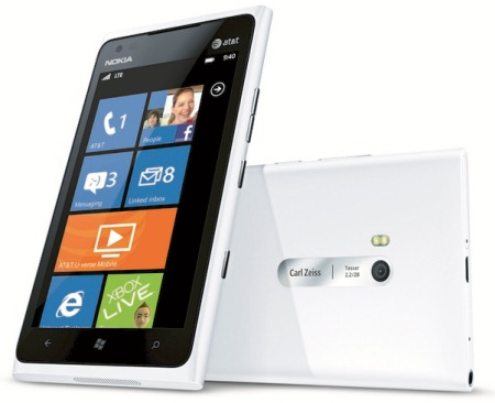 White Lumia 900 Gets Pictured, Hits AT&T on April 22nd
