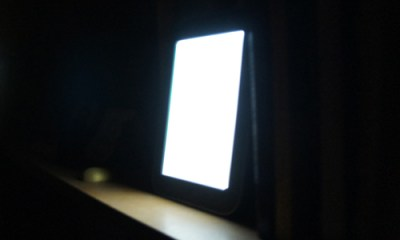 Nook Simple Touch with Glowlight On