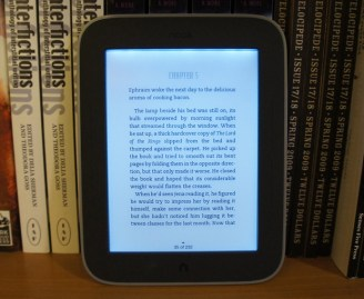 Nook Simple Touch with Glowlight - Light on with Text
