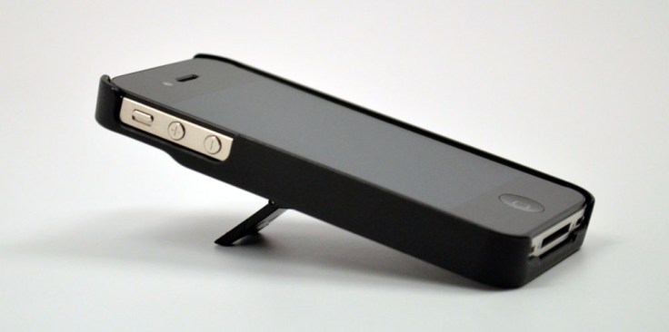 ZeroChroma Teatro-S iPhone 4S Case Review low angle