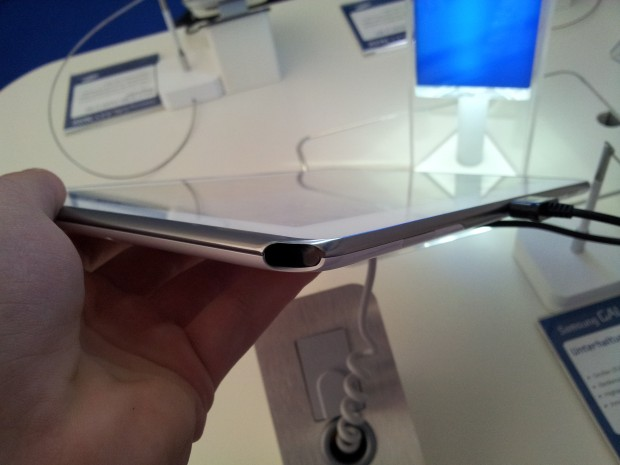Galaxy Note 10.1 with S-Pen holder