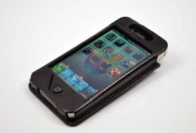 Sena WalletSlim iPhone 4S Wallet Case Review - front angle