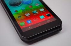 Motorola Photon Q 4G LTE Review - bottom of phone