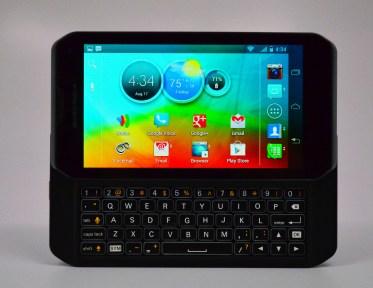 Motorola Photon Q 4G LTE Review - keyboard hero