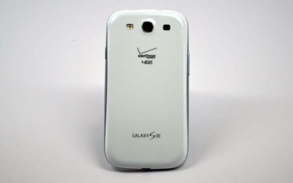 Verizon-Galaxy-S-III-Rear-620x389