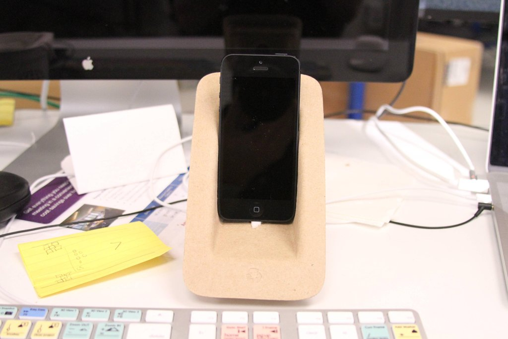 how to make an iphone dock