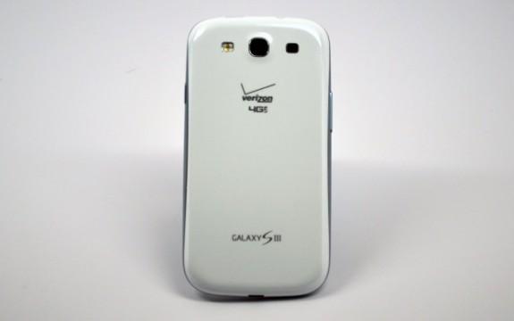 Verizon-Galaxy-S-III-Rear-620x389